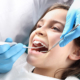 Deben los niños hacerse una limpieza dental